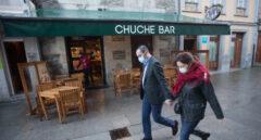 Galicia limita la hostelería en Santiago, La Coruña y Orense hasta las 18 horas