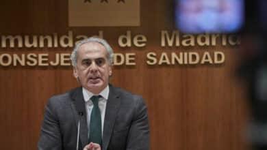 La Comunidad de Madrid suspende el plan de vacunación a los sanitarios por falta de vacunas