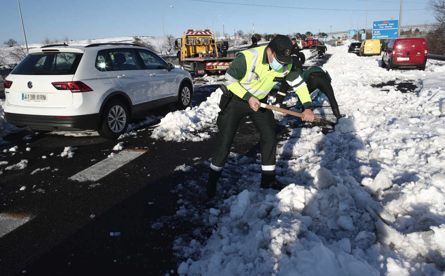 rescate-guardiacivil-nieve