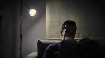 La factura de la luz subió casi 11 euros en marzo respecto al mismo mes del año pasado