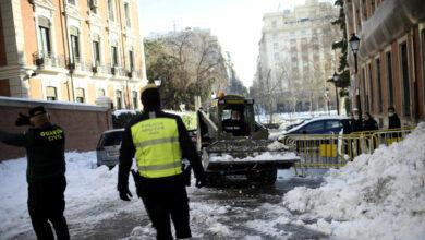 Montañas de hielo, basura y calles cortadas: caos en Madrid cinco días después de la nevada