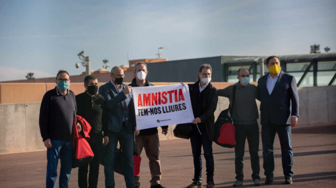 Los presos del procés salen de la cárcel de Lledoners.