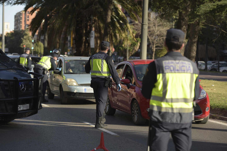 Un dispositivo policial para controlar los cierres perimetrales en 16 municipios valencianos
