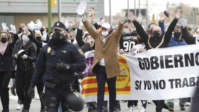 Manifestación en Palma para exigir la reapertura de la restauración