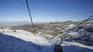 Fallece un 'snowboarder' tras un accidente en una pista cerrada al público de Sierra Nevada