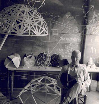 Buckminster Fuller, genio visionario y archivo de soluciones para el planeta