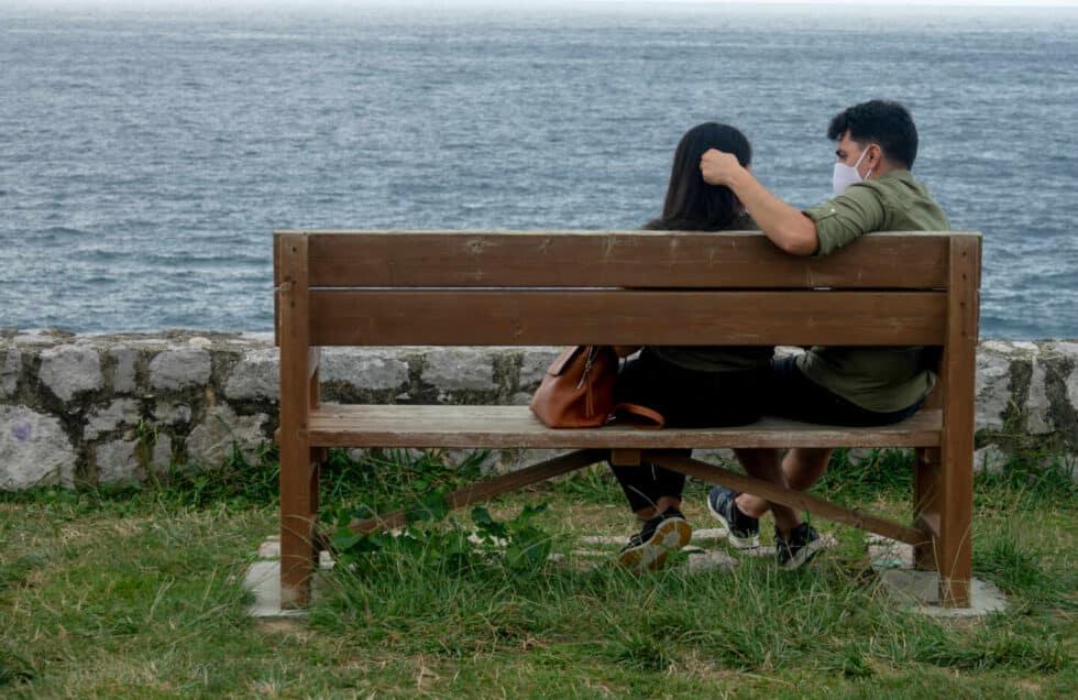 La pandemia retrasa la decisión de tener hijos en España por la precariedad económica