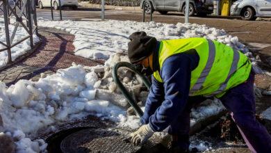 Alcantarillas llenas de hielo, ramas y basura: riesgos por inundaciones en Madrid