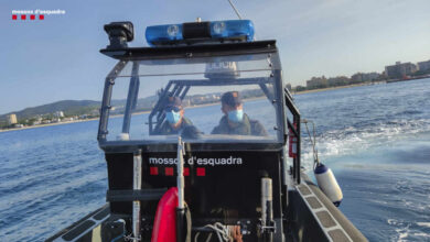 Los Mossos encuentran un cadáver en la playa de Sant Sebastià de Barcelona