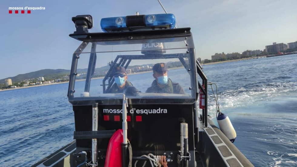 Embarcación de la Policía Marítima de los Mossos.
