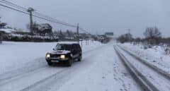 El frío, de hasta 16 grados bajo cero, pone en alerta a 12 comunidades