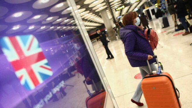 Récord de contagios en Reino Unido con 60,916 casos a puertas de un nuevo confinamiento