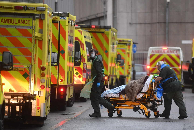 Reino Unido notifica 1.610 muertos, su máximo diario en la pandemia
