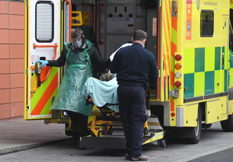 Reino Unido registra 1.820 muertes por coronavirus, su máximo en toda la pandemia
