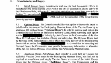 La UE revela que AstraZeneca está obligada a enviar vacunas desde Reino Unido, pero no publica plazos ni precios