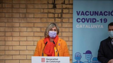 "Expedientan a tres enfermeras que ""invitaron"" a vacunarse a familiares de residentes en un centro de Tarragona"