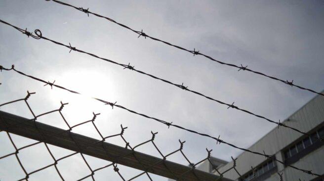 Prisión-carcel-alambre-valla