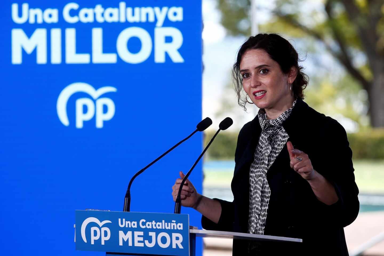 La presidenta de la Comunidad de Madrid, Isabel Díaz Ayuso, participa en un acto electoral en Barcelona.