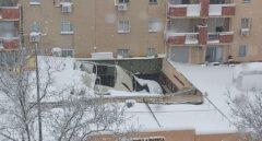 Techo de la Comandancia de la Guardia Civil de Tres Cantos (Madrid) hundido por la nieve.