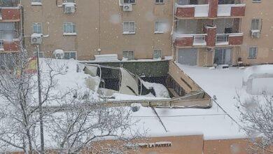 Se hunde por la nieve el techo de la Comandancia de la Guardia Civil de Tres Cantos (Madrid)