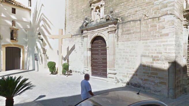 Cruz de la Iglesia de las Carmelitas Descalzas, en Aguilar de la Frontera (Córdoba).