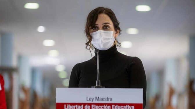 """Ayuso traslada su apoyo a Cataluña ante """"el terror callejero"""" y pide a Sánchez que no la """"abandone"""""""