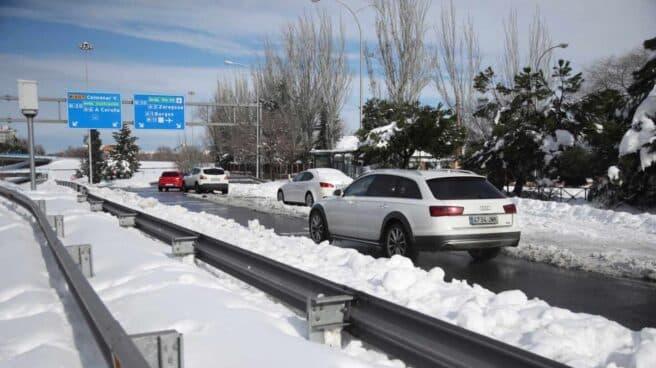 Nieve en la M-30 de Madrid.