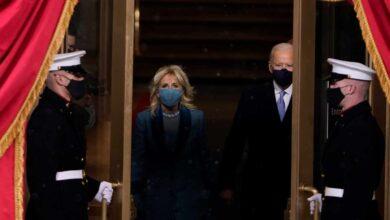 Del vestido de Lady Gaga al beso a la Primera Dama: los detalles de la investidura de Biden