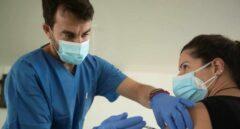 Polémica en Alicante por otro cargo público que recibe la vacuna del Covid-19 saltándose el protocolo
