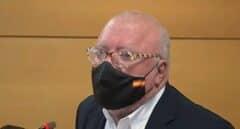 El juez deja a Villarejo en libertad provisional y le prohíbe salir de España