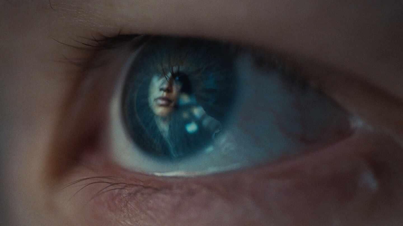 Jules (Hunter Schafer) es la protagonista del segundo episodio especial de 'Euphoria'..