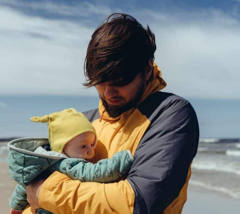 Las bajas por paternidad tardarán treinta años en reducir la brecha de género
