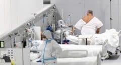 Enfermos en el Hospital público Enfermera Isabel Zendal en Madrid.