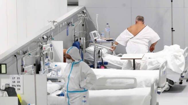 Una gerente pide quitar los móviles a los pacientes para incomunicarles y que no rechacen el traslado al Zendal