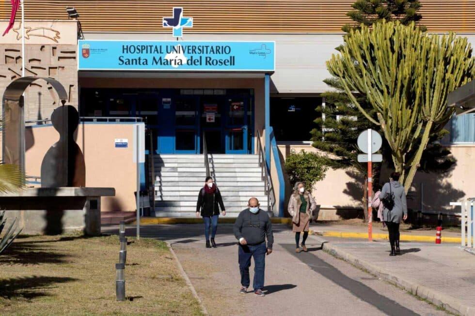 Fallece hombre con Covid-19 a la entrada de un hospital de Cartagena (Murcia)