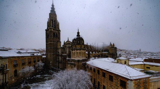 El deán de la Catedral de Toledo pide perdón y dimite por la polémica del vídeo de C. Tangana
