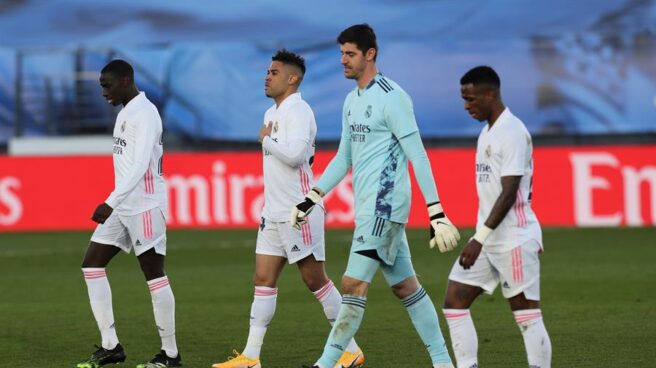 Ferland Mendy, Mariano Díaz, Thibaut Courtois y Vinicius Junior, tras la derrota del Real Madrid frente al Levante.