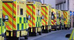 Ambulancias del Sistema Nacional de Salud del Reino Unido.