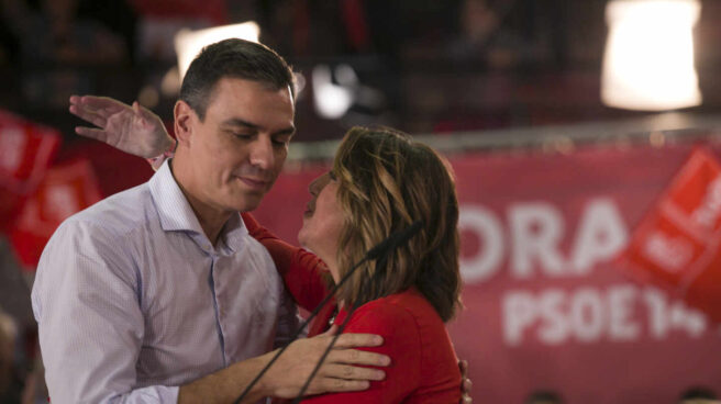 Pedro Sánchez y Susana Díaz, en un acto de campaña de las elecciones generales del 10-N celebrado en Sevilla.