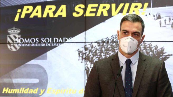 El presidente del Gobierno, Pedro Sánchez, durante su intervención en una visita a la base de la UME en Torrejón de Ardoz (Madrid).