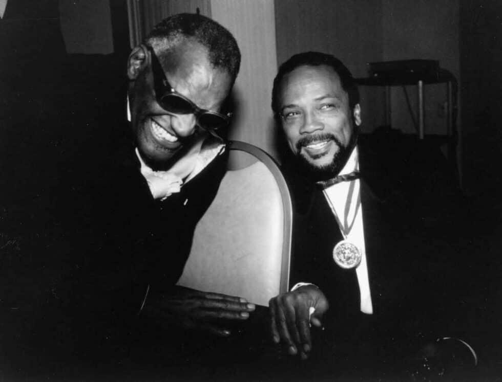 Quincy Jones con Ray Charles.