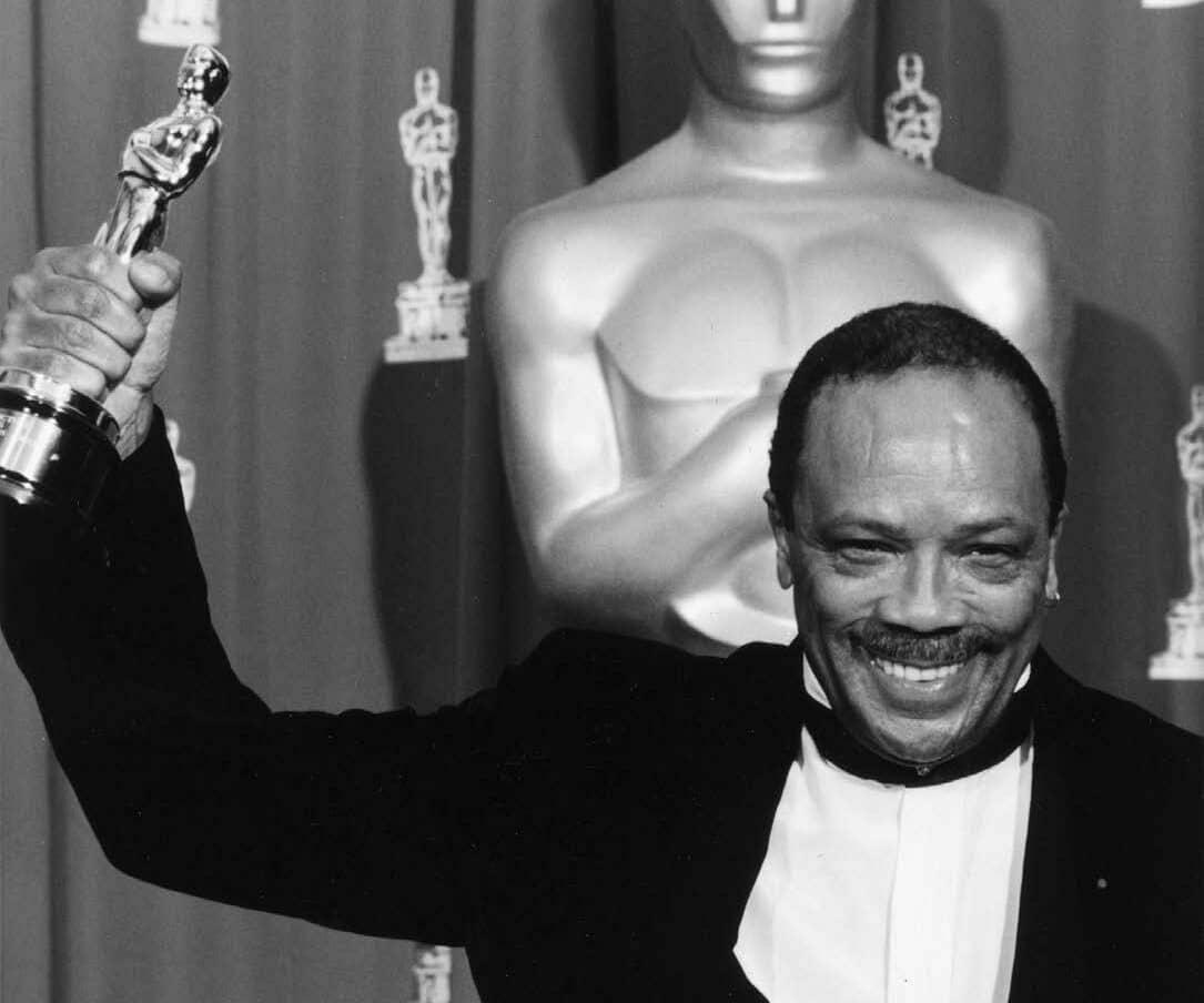 Quincy Delight Jones recogiendo el Óscar.