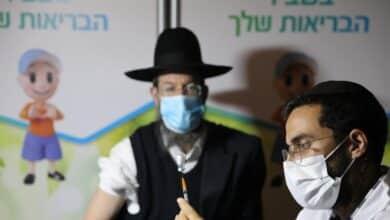 Israel marca el camino: los ya vacunados no tendrán que guardar cuarentenas ni confinamientos