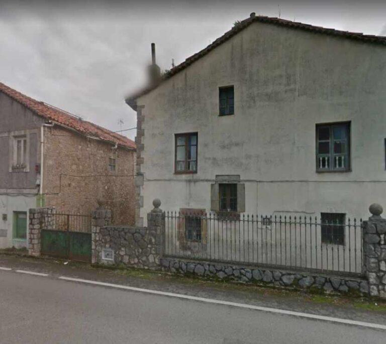 Apuñalan a un policía y a un futbolista a la salida de un bar en Villaescusa (Cantabria)