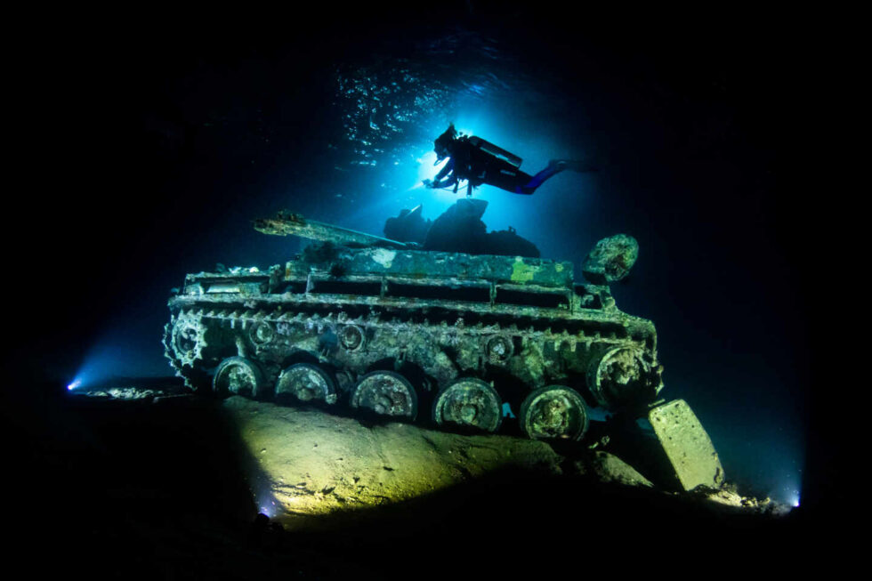 Fotografía submarina de submarinistas en Jordania, Aqaba, de Renee Capozzola