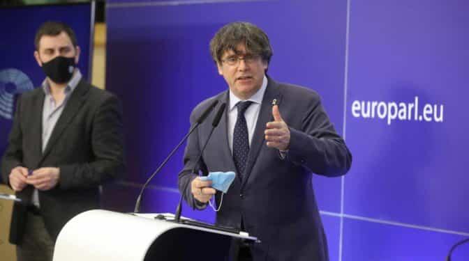 La devolución de la inmunidad a Puigdemont complica aún más su entrega a España para ser juzgado