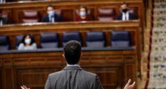 """Sánchez a Casado: """"el señor Abascal le da clases de responsabilidad y de sentido de Estado"""""""