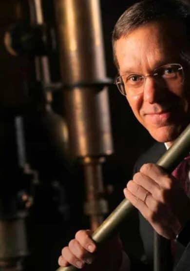 """Avi Loeb: """"Nuestro cerebro es el mejor activo que tenemos contra el impacto de un cometa"""""""