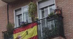Almeida destina 12.750€ para renovar las banderas de España de los balcones de Madrid