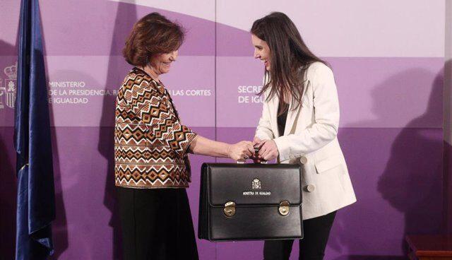 Carmen Calvo e Irene Montero.
